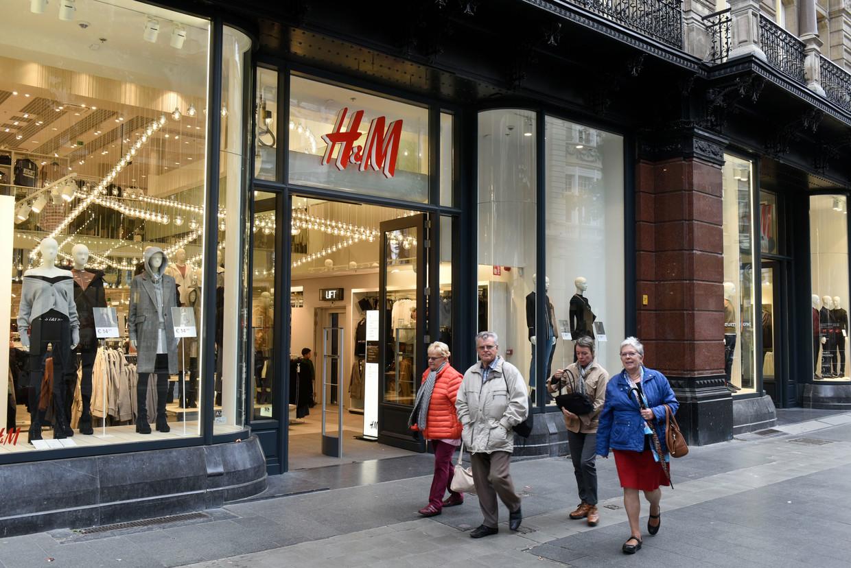 In Antwerpen heeft H&M drie winkels op de Meir. De twee kleinste zouden de deuren sluiten. Beeld Hollandse Hoogte / Peter Hilz