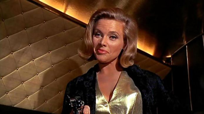Honor Blackman (Pussy Galore).