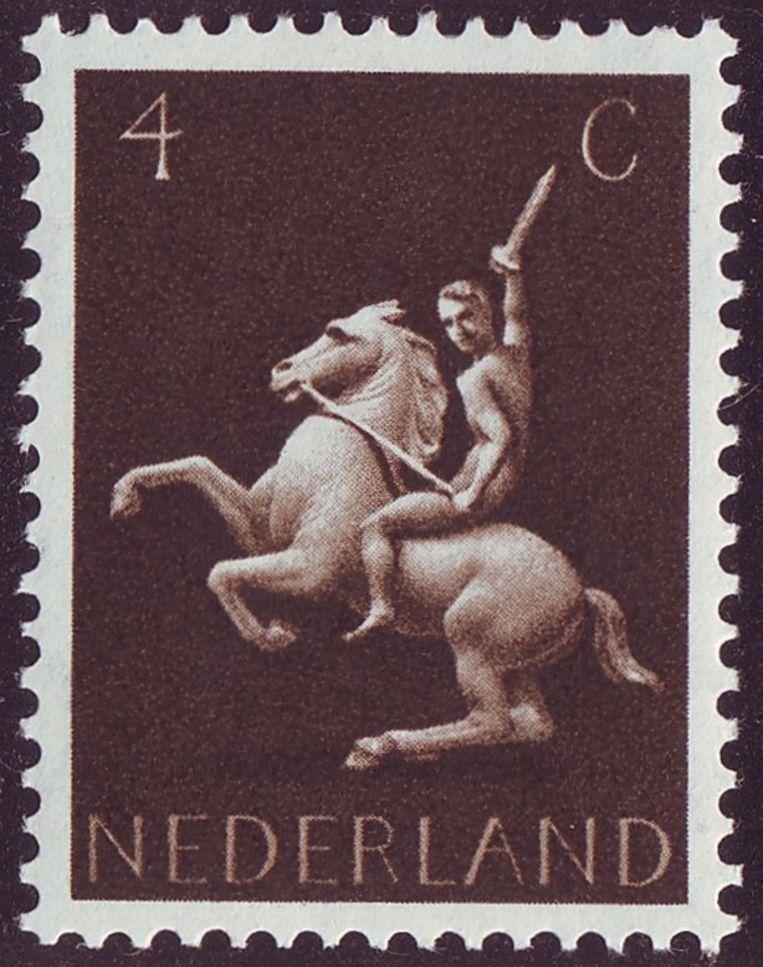 Ruiter te paard, één van de postzegels in de omstreden serie Germaanse symbolen die Pyke Koch ontwierp. Beeld