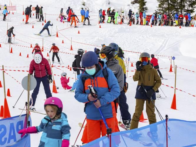 """Marc Van Ranst streng voor skiërs: """"Dit zijn exact dezelfde mensen die klagen dat men de epidemie niet onder controle krijgt"""""""