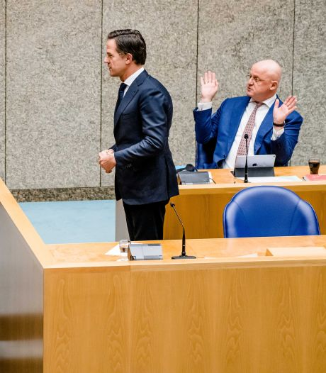 Tweede Kamer blijft na blamage achter avondklok staan, Rutte wil niet horen van 'een fout'