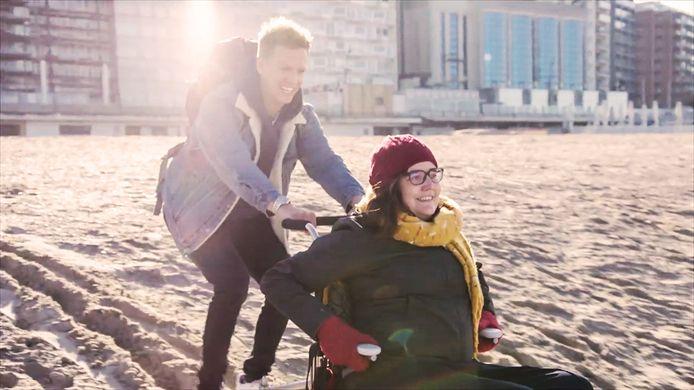 """James Cooke en Lien D'Alleine op het strand van Blankenberge: """"Ze hield van de zee"""""""