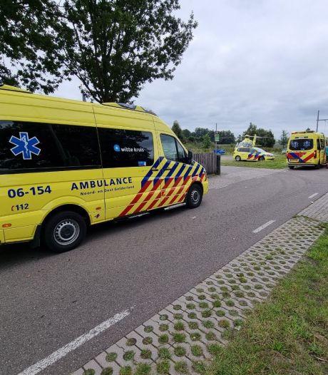 Fietsster ernstig gewond door val in Lichtenvoorde, traumahelikopter geland