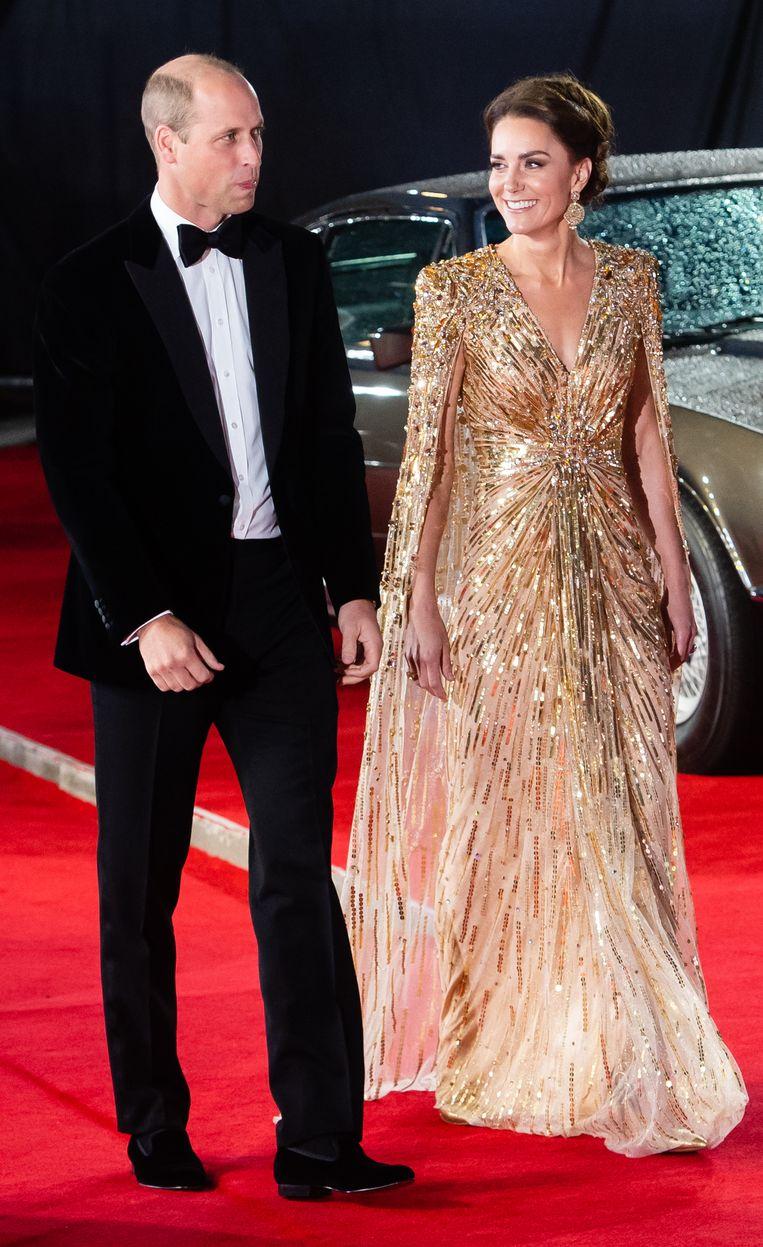 Kate Middleton en prins William bij de James Bond-première 'No time to die'. Beeld Getty Images