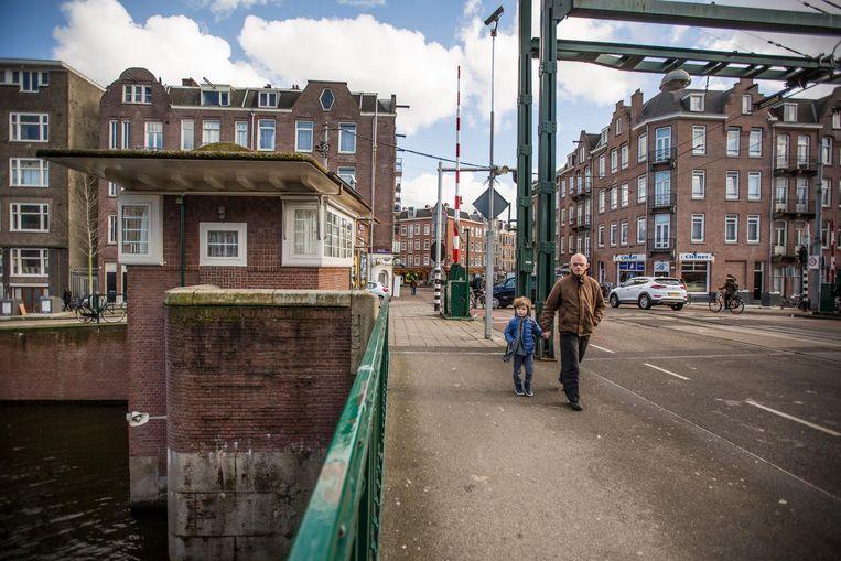 Kinkerbrug, Kinkerstraat - Kostverlorenvaart. Vanaf 160 euro per nacht Beeld Eva Plevier