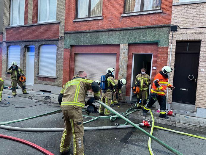 De brandweer snelde ter plaatse en kon het vuur snel onder controle krijgen.