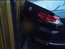 Politie houdt bestuurder die doorreed na botsing met drie auto's aan