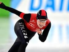 Letitia de Jong wint 500 meter in Thialf