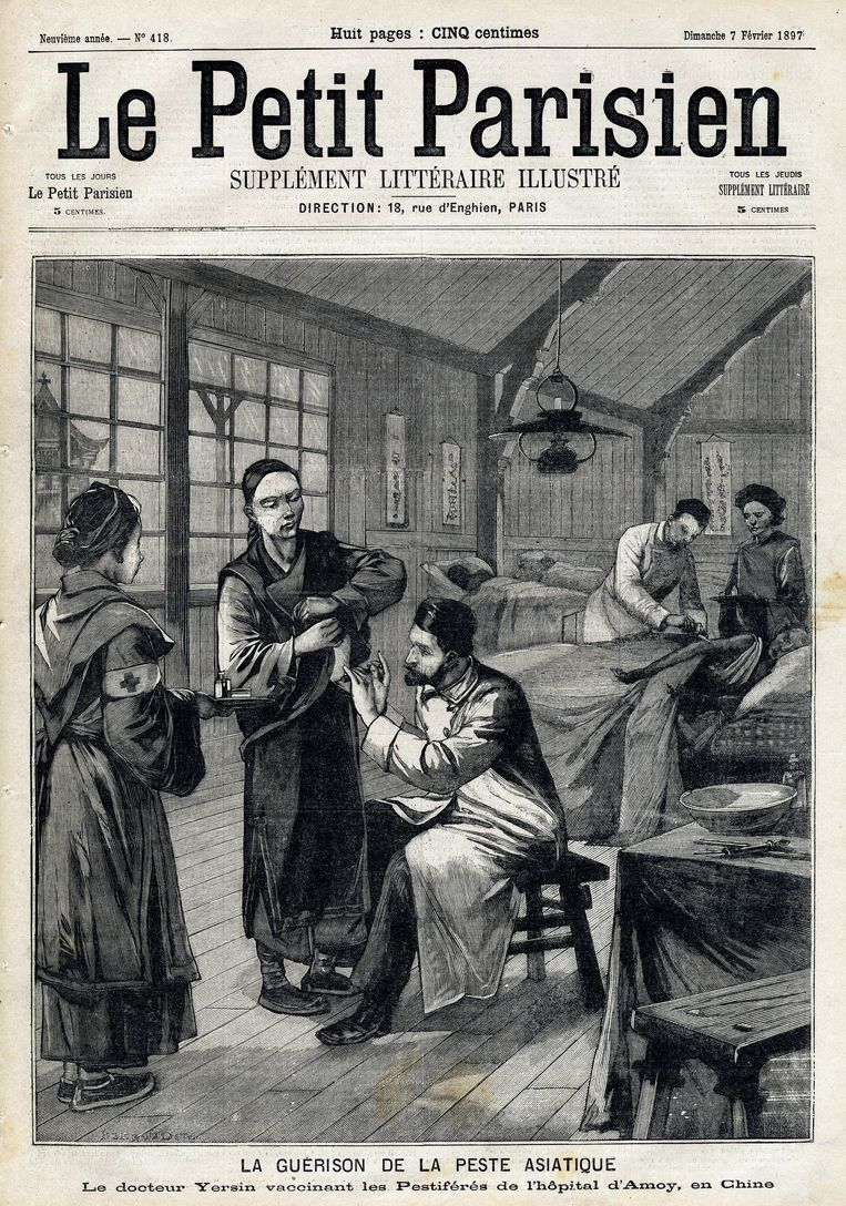 Behandeling van de pest in het Amoy-ziekenhuis in China. Voorpagina van de Franse krant Le Petit Parisien, 2 februari 1897.  Beeld Getty Images