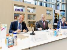 Bonus van ruim 1 miljoen voor topvrouw FrieslandCampina, geen geld voor melkveehouders