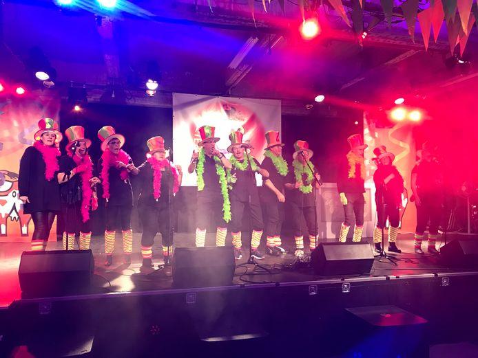 De Durstappers beten de 41 editie van het liedjesfestijn, ditmaal op een nieuwe locatie, af.