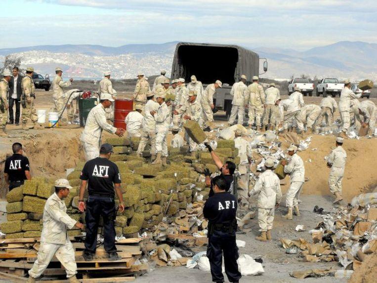 Amerikaanse agenten namen tijdens de langdurige operatie 23 ton drugs in beslag, alsmede 59 miljoen dollar in contanten, 149 auto's, 169 vuurwapens, 1,3 miljoen xtc-pillen, drie vliegtuigen en drie schepen. Foto EPA Beeld