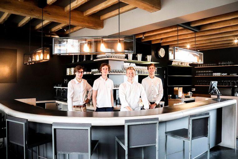Gilles, Ebert, Daan en Michiel openen op 2 augustus Bar d'été in Gavere.