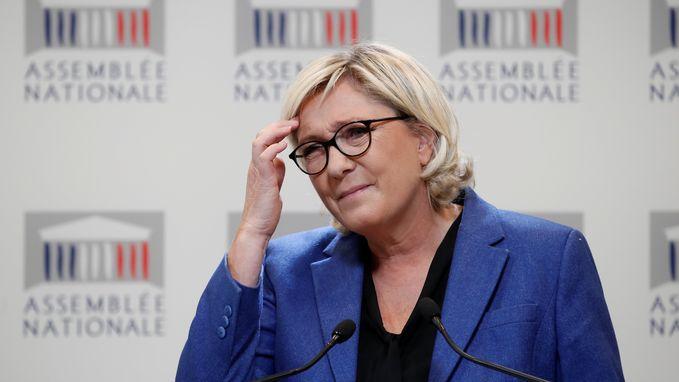 """Loonsverhoging van 66 procent voor Marine Le Pen (FN): """"Ik heb het nodig"""""""