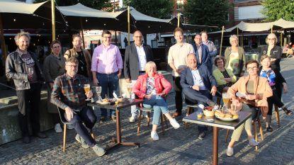 Markt Eeklo drie maanden parkeervrij: grotere terrassen voor horeca en toch een ministrand