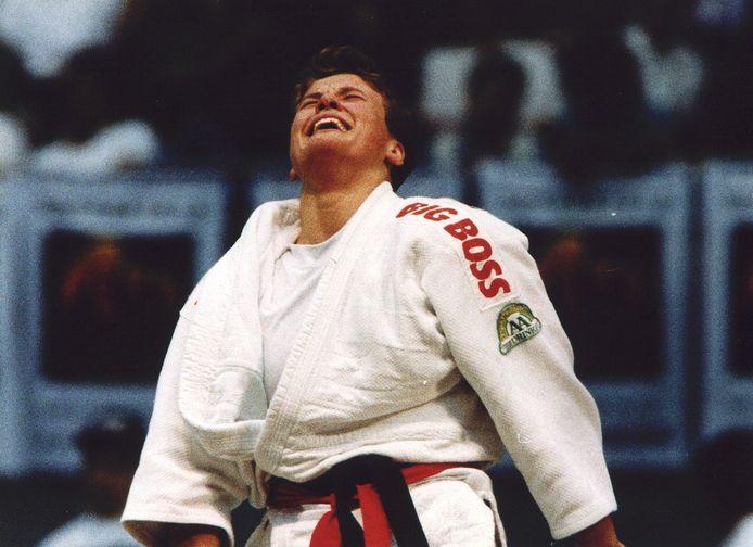 Monique van der Lee in extase na het behalen van de wereldtitel (in 1995) .