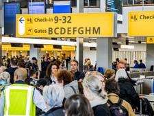 KLM slaat opnieuw alarm door drukte op luchthaven Schiphol