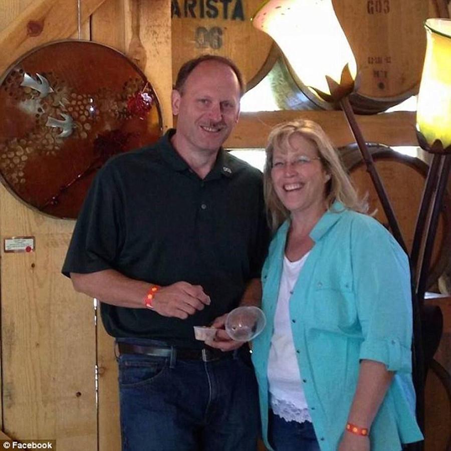 John Updegraff en Karen Szewc.