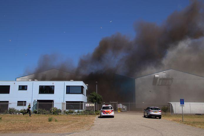 Bij Kloosterboer in Vlissingen-Oost is een gewonde gevallen bij een brand.