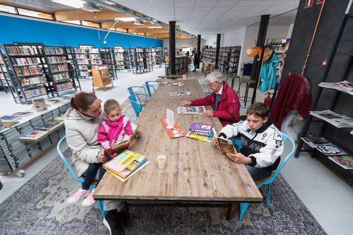 'Een bibliotheek is veel meer dan alleen een vestiging met wat boeken', schrijft de directeur van de Westervoortse bibliotheek in een brandbrief. Hij pleit voor een heroverweging van de ingrijpende bezuiniging die het college voorstelt.