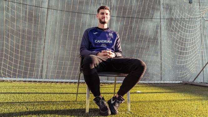 """Anderlecht huurt verdediger Miazga voor één seizoen van Chelsea: """"Duelkracht, snelheid en voetballend vermogen"""""""