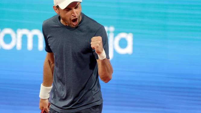 Aslan Karatsev houdt Novak Djokovic uit finale in Belgrado