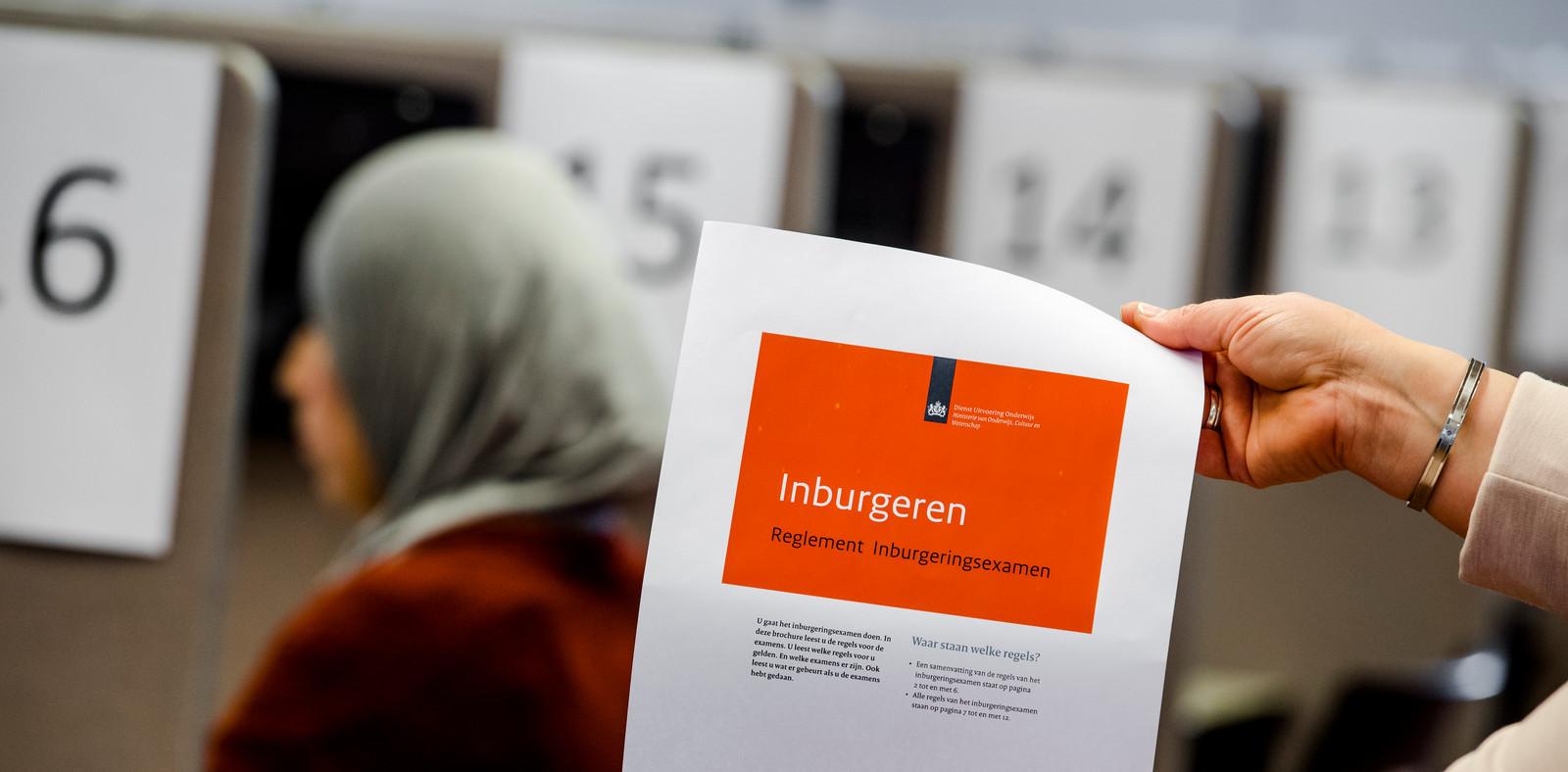 Inburgeren is altijd een proces van de lange adem, aldus VluchtelingenWerk Nederland.