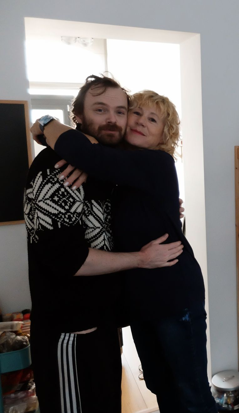 Jonne met zijn moeder Beeld Dana Ploeger