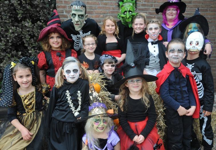 Horrorfestijn in dorpshuis De Pompweie in Kortgene. foto Willem Mieras