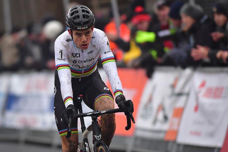 Meer dan een vijfde plek zat er niet in voor Van Aert, die voor het eerst dit seizoen buiten de top twee finishte Beeld BELGA