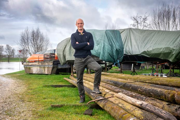Nieuwe eigenaar Pepijn Peters van Camping Rijnoever kent een moeizame eerste seizoensstart.