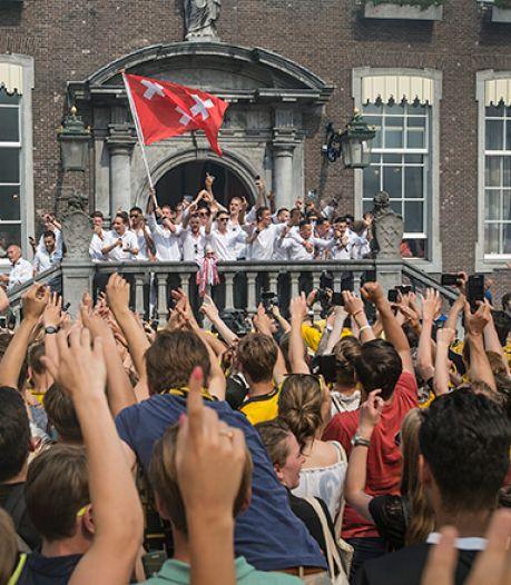 VVD'er en NAC-fan Rick Zagers: 'Huldiging spelers op de singels zou toch mooi alternatief zijn'