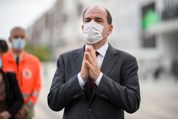 Jean Castex visite le centre de vaccination de Paris La Defense Arena.