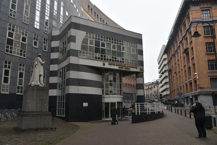 Het Sint-Pietersziekenhuis waar de man werd opgenomen.
