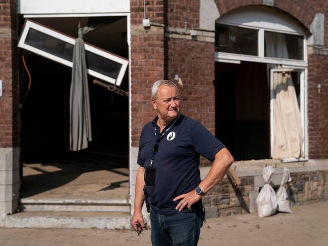 """DAGBOEK. Alain Remue vanuit het rampgebied: """"Het enige wat ik kan denken is: dit kan toch niet wáár zijn?"""""""