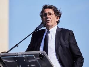 """La dure retraite à 4.000 euros de l'ancien ministre Luc Ferry: """"Il me faut beaucoup plus que ça"""""""