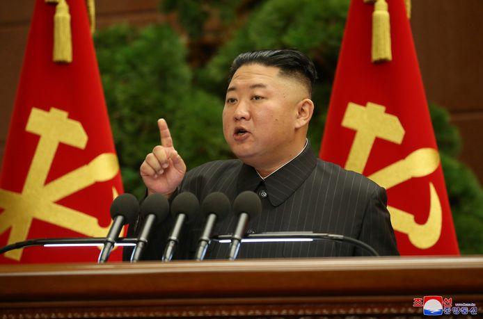 Kim zou behoorlijk wat pondjes kwijtzijn, maar is volgens Pyongyang allesbehalve ziek of dood.