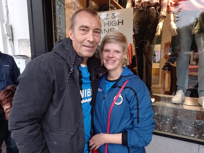 Michel Berben (57) en Anouschka Heleijn (32) uit Merelbeke koppelden een nachtje Brugge aan de opening van de winkel.
