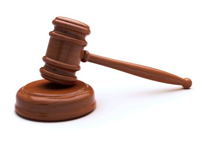 hamer rechter veiling veilingshamer auction hammer bid wood gavel on anvil