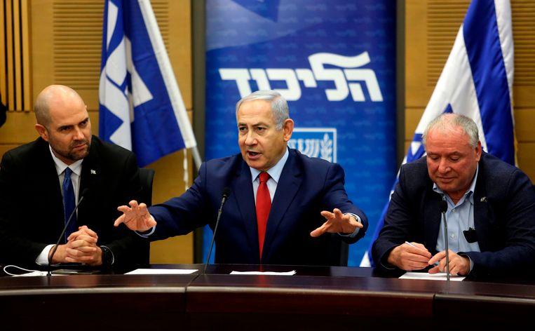 De Israëlische premier Benjamin Netanyahu kondigt vervroegde verkiezingen aan. Beeld null