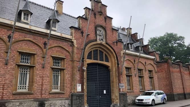 Gedetineerde verwondt twee cipiers in gevangenis