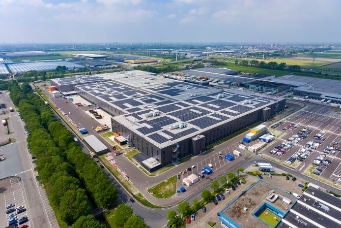 Het nieuwe distributiecentrum van Zalando in Bleiswijk is 140.000 vierkante meter groot.