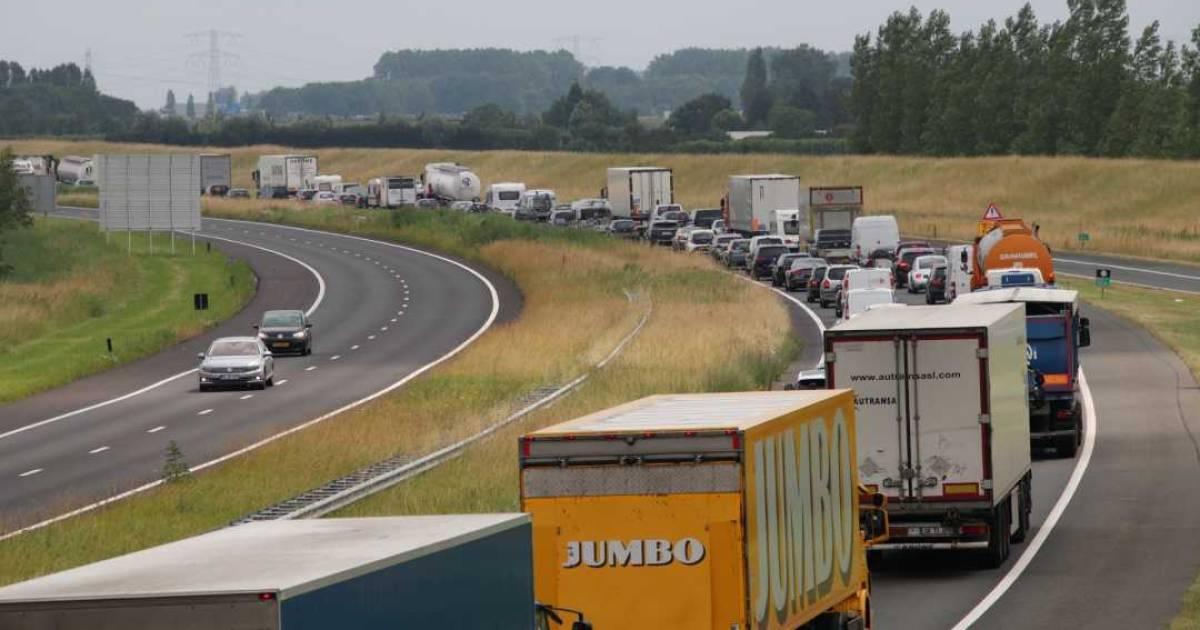 Meer dan half uur vertraging op A58 Tilburg richting Eindhoven door ongeluk.