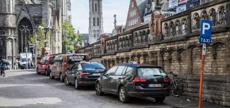 Taxichauffeur overvallen op klaarlichte dag: daders riskeren tot 18 maanden cel