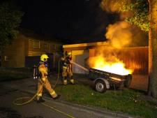 Aanhanger brandt uit in Nijkerk, mogelijk brandstichting