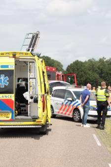 Bestuurder overlijdt in sloot: onwelwording op de weg tussen Dalfsen en Lemelerveld