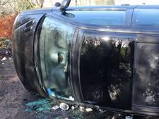 Auto op z'n kant in Culemborg, bestuurster ongedeerd