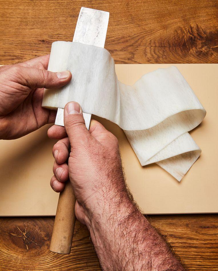 Katsuramuki: snijtechniek. Beeld Oof Verschuren