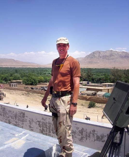 Commandant Hans van Griensven op de White Compound in 2007 in Afghanistan.