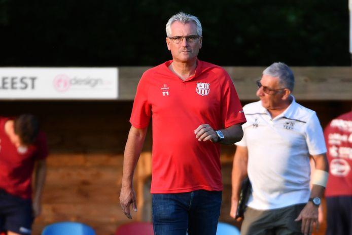 """SK Leest-trainer Rudy Van Houdt panikeert nog niet: """"Net in deze moeilijke periode is het belangrijk om een groep te  vormen en op enthousiasme en wilskracht resultaten te proberen halen."""""""